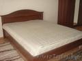 Продам кровать двухспальную с матрацом
