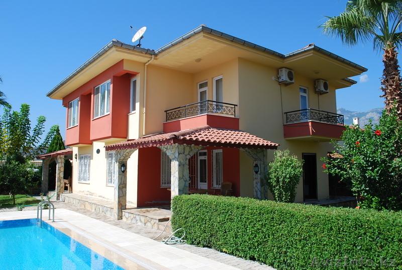House in Pietrasanta in Sea cheap prices in rubles